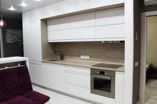 Кухня без ручек 3 уровня